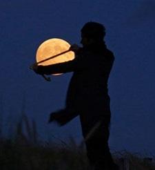 Quando il dito indica la luna lo scemo guarda ildito